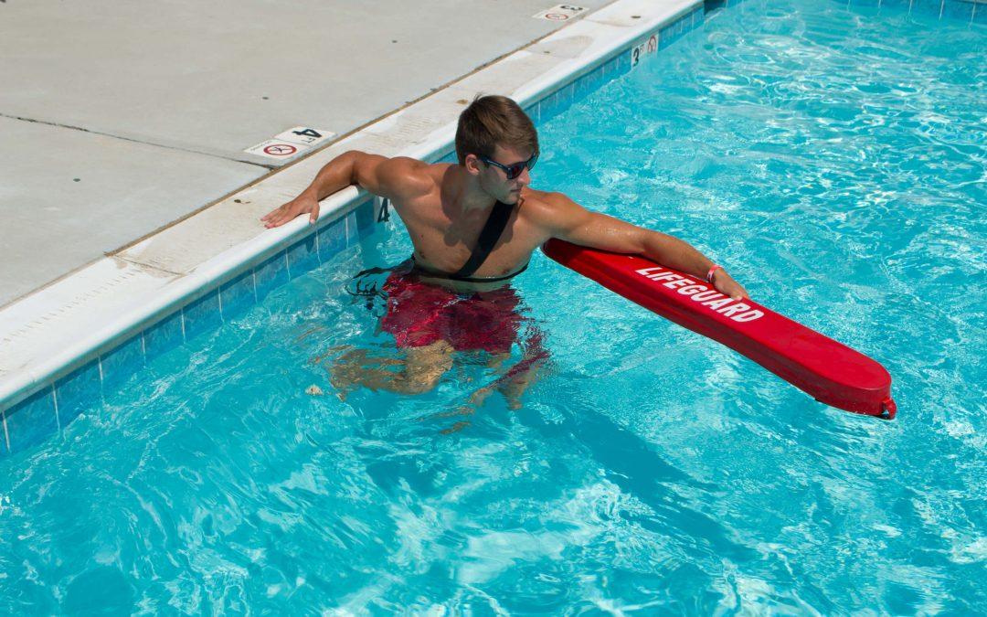 Pracovat jako bazénový plavčík v USA?